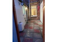 Immaculate one bedroom ground floor flat with bright courtyard - near Holywood High Street