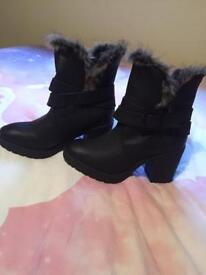 Ladies boots size 5 brand new