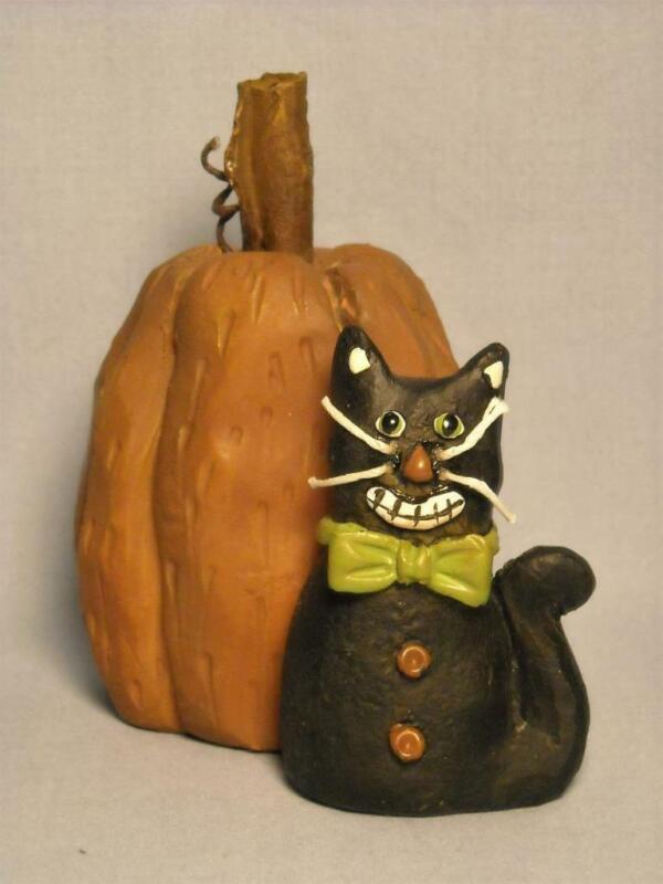 Blossom Bucket Suzi Skoglund Pumpkin and Black Cat Resin Halloween Figurine
