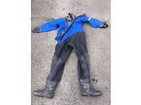 Scuba, Dive, Diving Gear, Tank, Wetsuit, Drysuit, BCD, Regulators, Weights, Flippers,