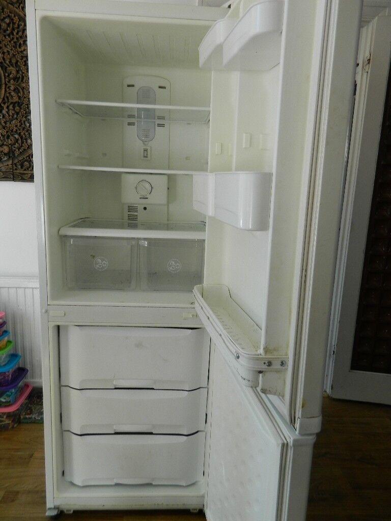 DAEWOO Fridge freezer - not working please read description - take