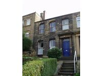 Great room available to rent in this spacious shared house close to Dewsbury Town Centre.
