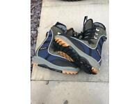 Snow board boots very good condition . Ideal first pair size 7