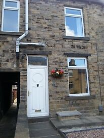 MOLDGREEN Two bed unfurnished Terraced House - kitchen with appliances, separate shower and bath
