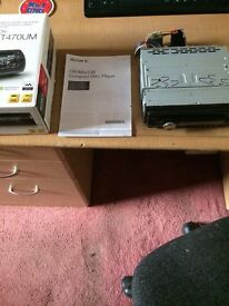 Sony CDX - GT470UM