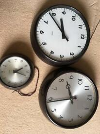 3 Bakerlite slave clocks