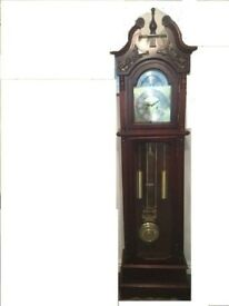 Windsor grandfather clock 31 day, comes with key, wood full working , very good condition;****