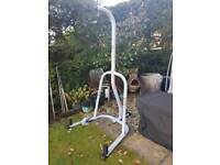 Everlast punch bag stand