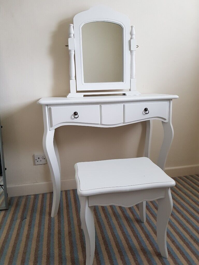 Miraculous White Dressing Table And Stool In Swindon Wiltshire Gumtree Squirreltailoven Fun Painted Chair Ideas Images Squirreltailovenorg