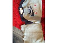 Mens Nike jumpers x2