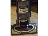 SHARK HOOVER NV680 UK Lift-Away ** In perfect condition**