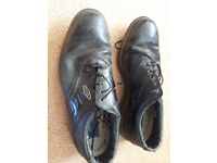 2 pairs golf shoes