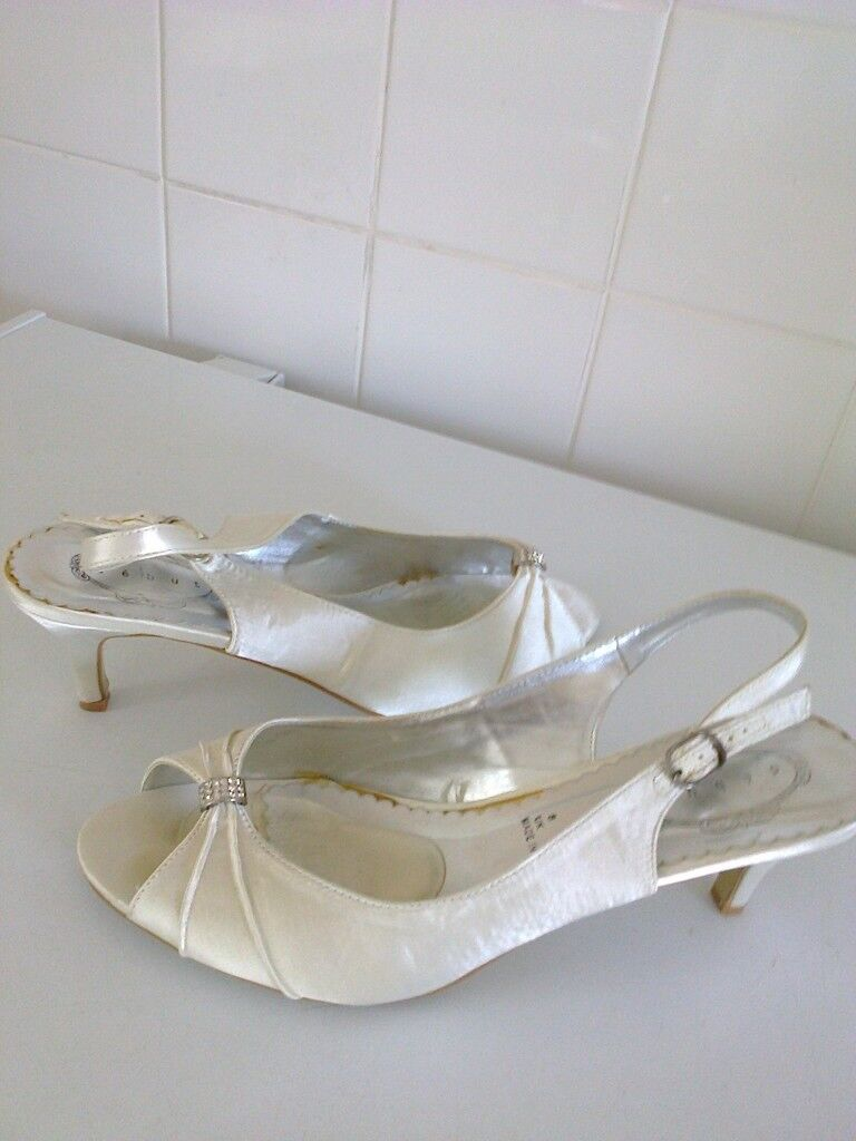 bdbf9161c76 ladies Debut satin sling back wedding shoes size 8 heel is about 3 inch  approx worn once   in Rochester, Kent   Gumtree