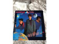 THOMPSON TWINS - INTO THE GAP - LP