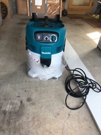 M class makita wet and dry 240v