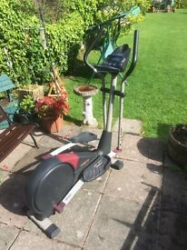 PRO FORM 950RXi ELLIPTICAL CROSS TRAINER including heart rate monitor