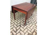 Georgian mahogany Pembroke dropleaf table