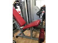 Leg extension machine (power sport)
