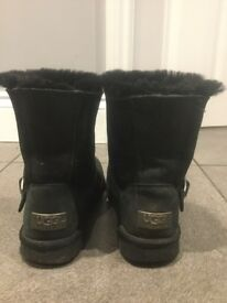 GENUINE BLACK UGG BOOTS WITH FUR & BUCKLE SIZE 5