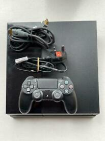 PS4 Black 500GB HDD 1 GAMEPAD ALL CABLES