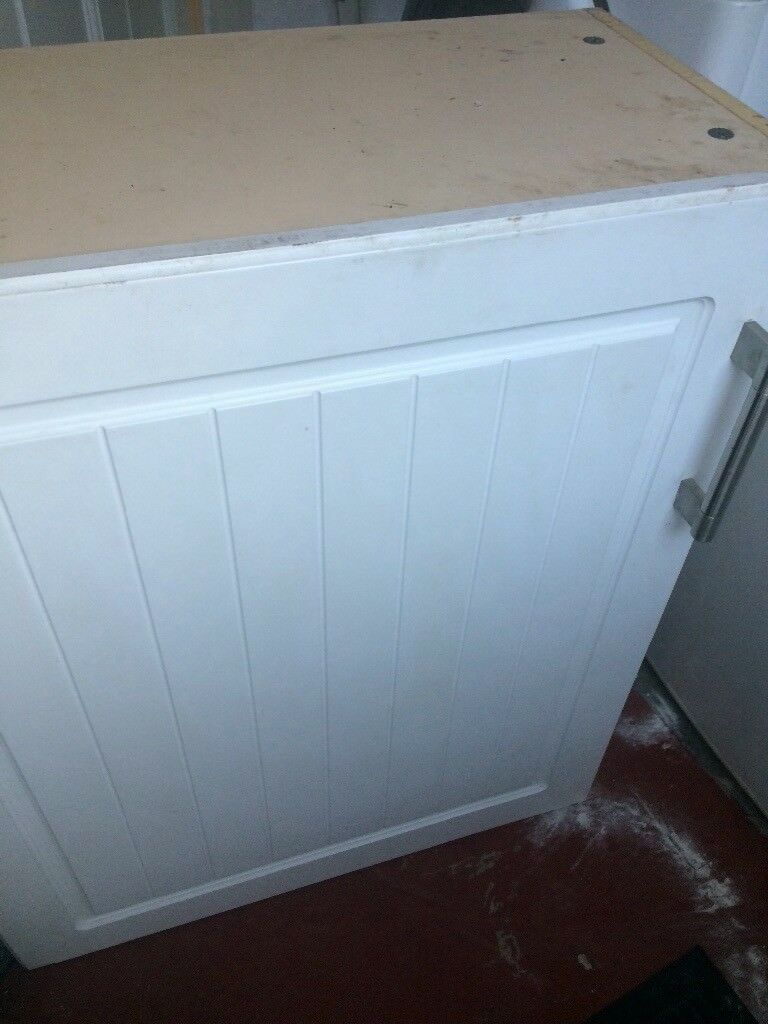 FREE Kitchen wall cupboard and 2 base unit doors | in Whitchurch ...
