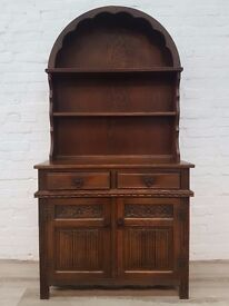 Old Charm Oak Dresser (DELIVERY AVAILABLE FOR THIS ITEM OF FURNITURE)