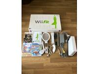 Nintendo Wii console white with Wii fit board- bundle