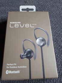 Samsung Level Active Ear Phones Bluetooth Brand New
