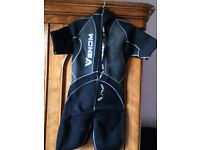 Brand New in box with tags 3mm shorty mens Neoprene Wet Suit Size Large