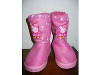 Peppa Pig boots (like UGG) size 10 (EU 28) in excellent condition, freshly cleaned!
