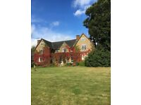 SPACIOUS STUDIO FLAT in Country Manor House