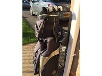 Masters, Golf Bag, with 6 clubs and rain hood.