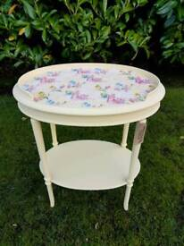 Beautiful wee birdie vintage table