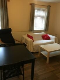 2 bedroom flat in central Headington