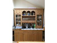 Solid oak kitchen units in very good condition!