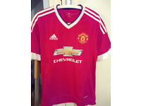 Brand new with tags Manchester United FC Home Jersey 2015/16 (Medium)