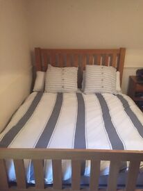 Solid Oak King size bed frame in a good condition