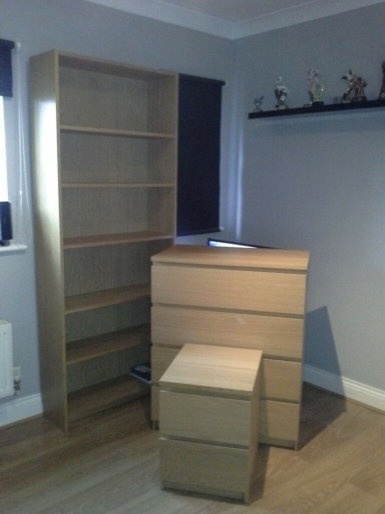 Bedside drawers and a bookcase in Oak Veneer