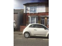 Two bed property for rent in Sketty