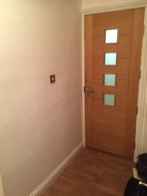 Double Room in 2 Bedroom Flat share in Hitchin Town Centre, close to station and parking available.
