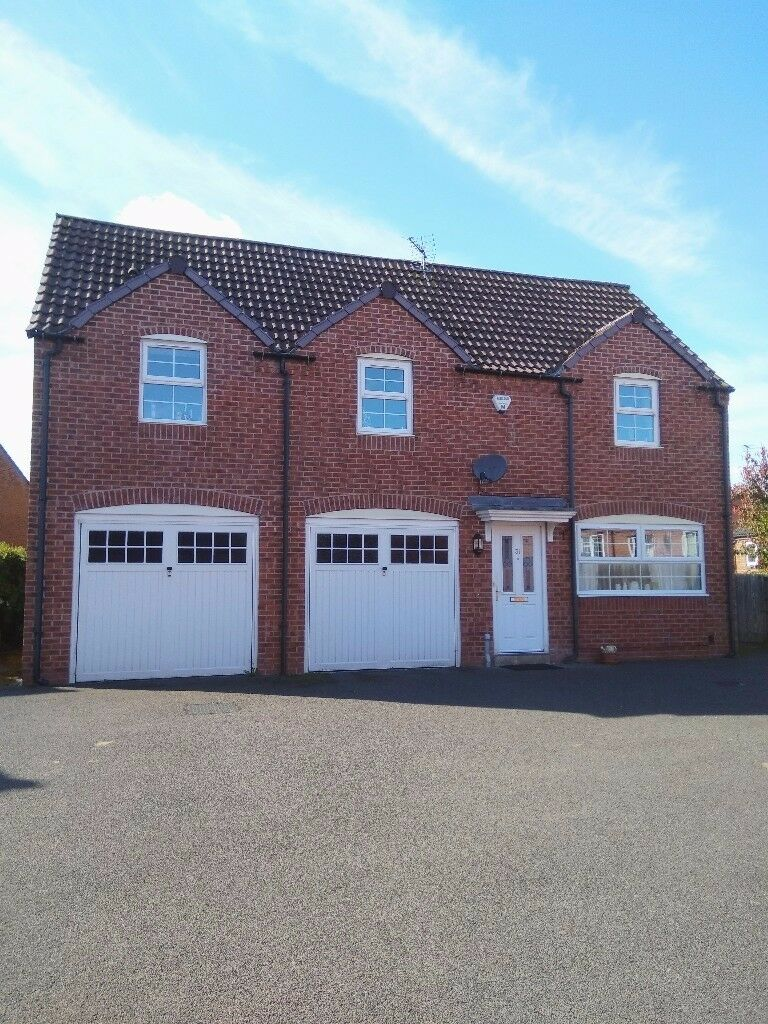 Ious Coach House 2 Beds With Garage Conversion Sought After Location In Bingham