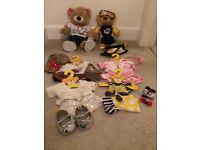 Build a bear 2 bears including full outfits and 4 additional outfits and accesories