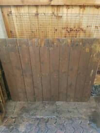 Five wooden pallets used has fence panels