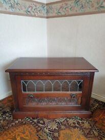 Old Charm solid oak TV cabinet
