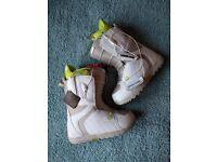 Burton Mint Snowboard Boots - Ladies UK 5