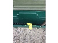 Garden lawn feed spreader only used once , made by evergreen