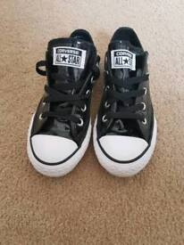 Girls converse trainers. Like new size 12