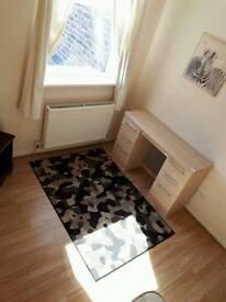 Good sized sunny room