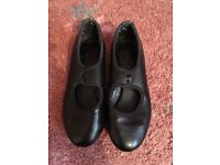 Tap Shoes - (small size 10)