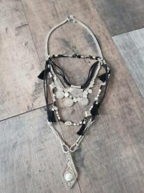 Three pieces jewellery set.